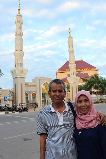 Di depan alun-alun kota